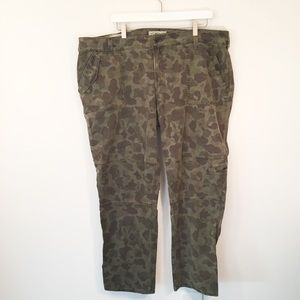 LUCKY BRAND Cargo Green Camouflage Pants Plus Size